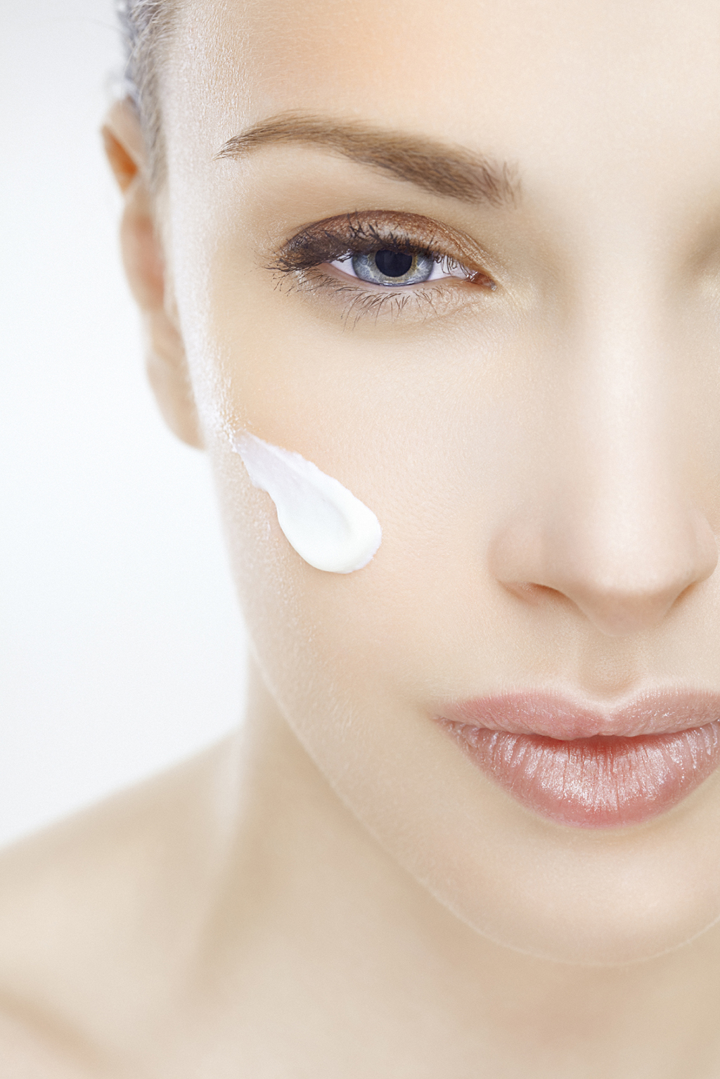 4 Steps To Correctly Apply Skin Care